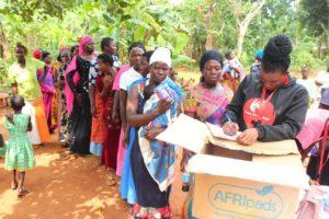 Pads für arme Frauen in Uganda
